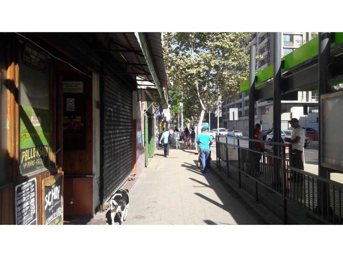 GRAN LOCAL COMERCIAL , SALIDA METRO CAL Y CANTO , LINEAS 2 Y 3 , FUTURA 7